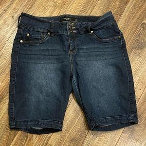 TORRID Jegging Bermuda Shorts